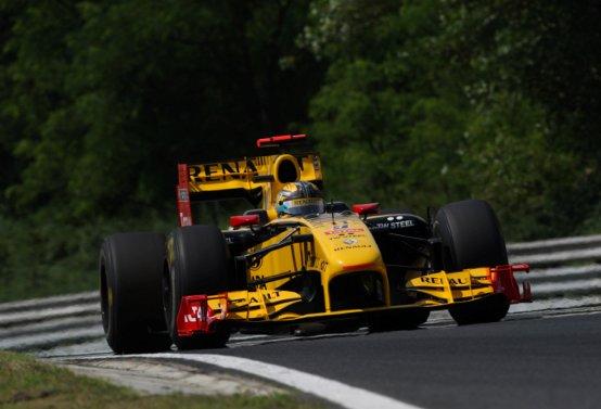 La Renault non esclude cambiamenti alla formazione piloti per il mondiale F1 2011