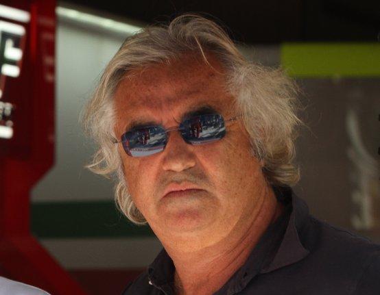 Briatore: Solo un disastro può impedire ad Alonso di vincere