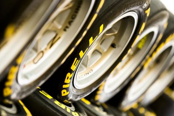 Pirelli conferma quattro set per team