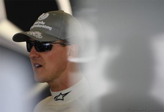 """Schumacher: """"Hamilton deve giocare pulito"""""""