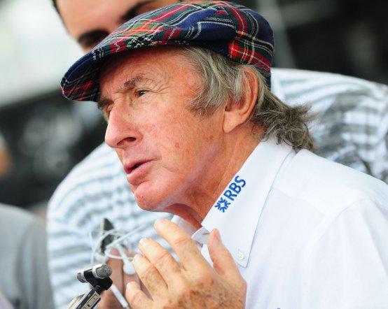 Stewart sostiene che la sconfitta nel mondiale renderà Vettel più forte