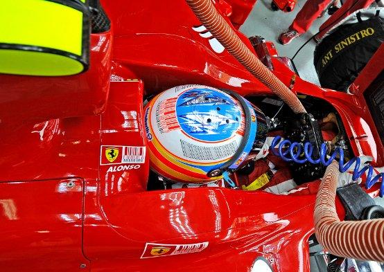 Ferrari al lavoro sul nuovo telaio in vista dei test di Valencia