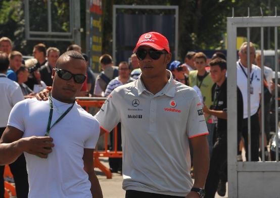 Il fratello di Hamilton correrà in auto nel 2011