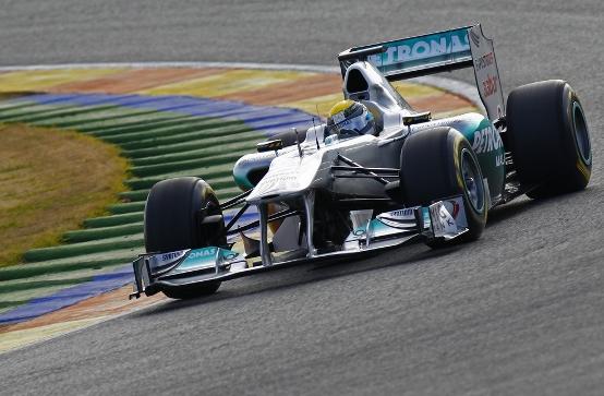 Mercedes conferma l'acquisto totale del team di F1