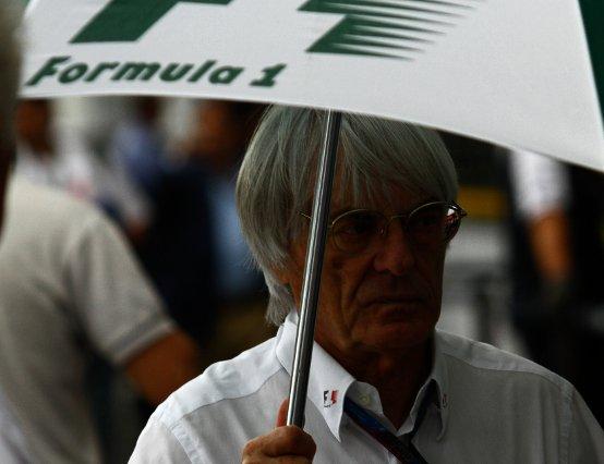La nuova brillante idea di Ecclestone: la pioggia 'a comando'
