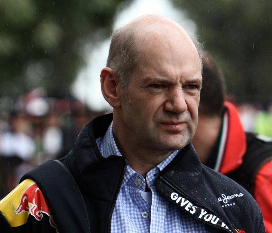 Newey è dispiaciuto che tutti copino gli scarichi della Red Bull