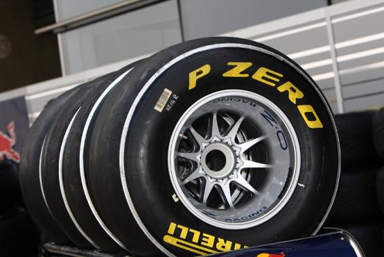 GP Cina: i riccioli delle gomme Pirelli al centro delle discussioni a Shanghai