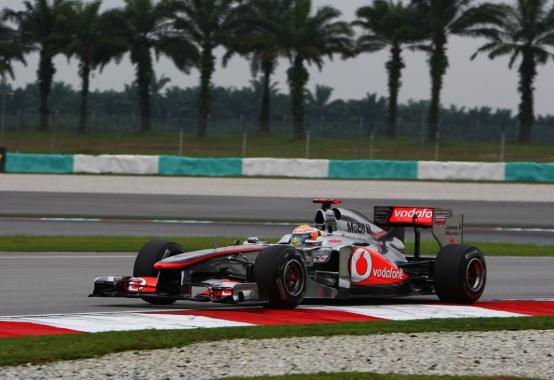 Hamilton frustrato dagli errori di strategia McLaren