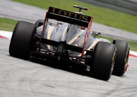 Lotus Renault: Terza e quarta fila in griglia a Sepang