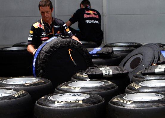 Pirelli avverte i piloti sul comportamento delle gomme full wet