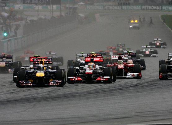 """La F1 si divide su un """"confuso"""" GP della Malesia"""