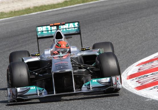 Mercedes: problemi al KERS dietro la strategia di Schumacher
