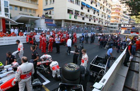 """Pirelli: """"Bisogna impedire ai team di cambiare le gomme dopo la bandiera rossa"""""""