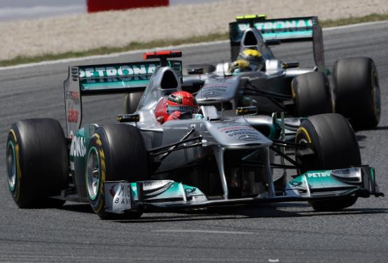 Mercedes: Schumacher batte Rosberg a Barcellona