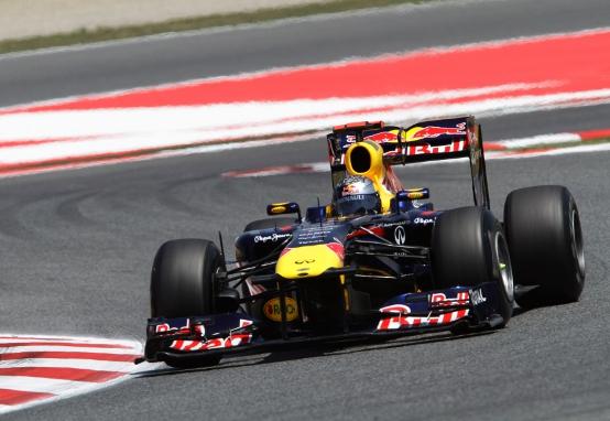 GP Spagna: Vettel vince e batte Hamilton