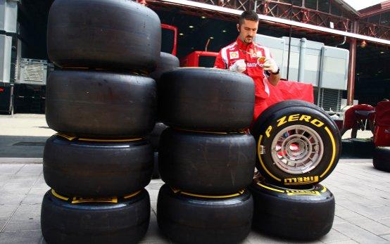 "Paul Hembery, Direttore Motorsport Pirelli: ""Ci aspettiamo una o due soste in gara a Valencia"""