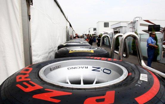 Pirelli: In Canada debutto per i Pzero White, ma miglior tempo nelle libere per i PZero Red