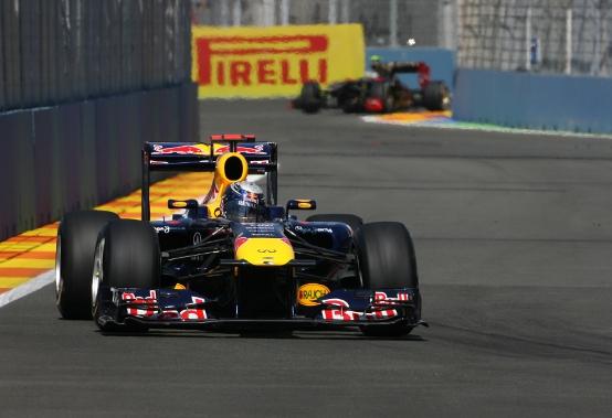 F1 GP Europa: pole position per Vettel, prima fila Red Bull