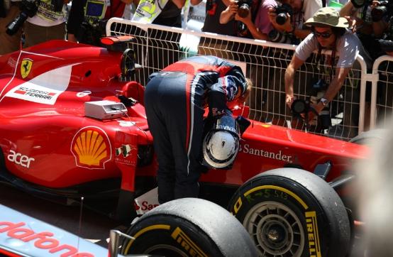 """Vettel spia gli abitacoli di Ferrari e McLaren, Horner: """"Non gliel'ha chiesto la Red Bull"""""""