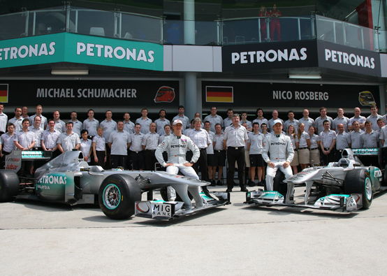 La Mercedes GP aumenterà il proprio staff di cento persone