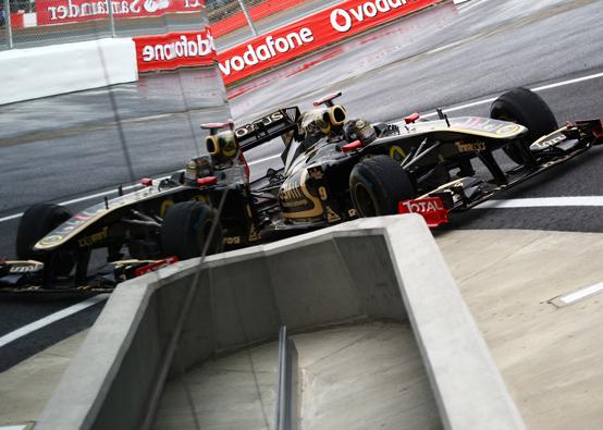 Lotus Renault: un ottavo posto per Heidfeld, Petrov dodicesimo