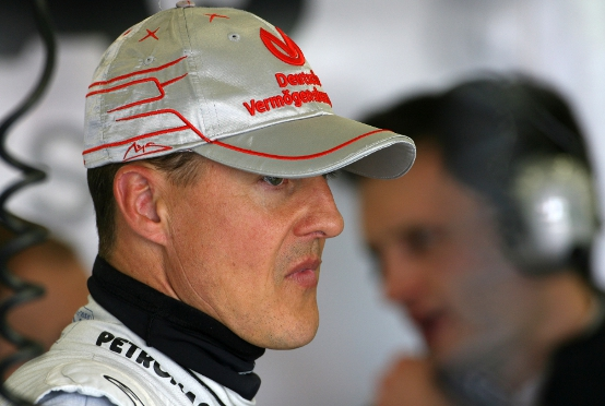 Schumacher, un cappellino nero per celebrare il 20mo anniversario