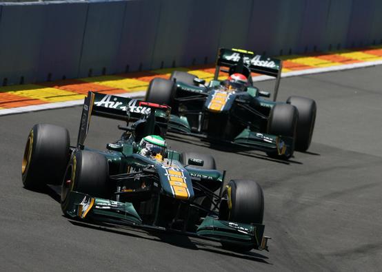 Team Lotus: doppio ritiro di Kovalainen e Trulli