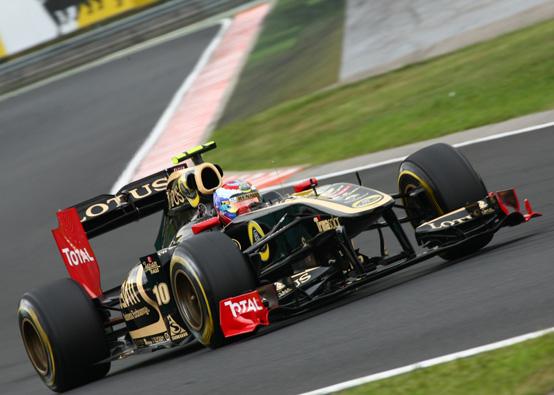 La Renault potrebbe decidere di non schierare né Kubica né Petrov per il 2012