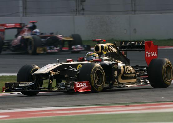 Lotus Renault: Petrov e Senna fuori dalla zona punti in India