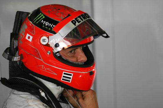 Schumacher multato per un episodio in pitlane