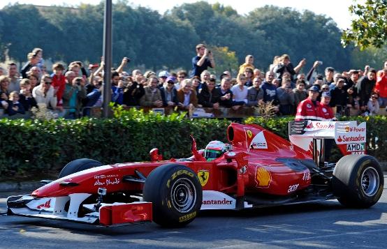 Ferrari protagonista al Motorshow di Bologna con un intenso programma in pista