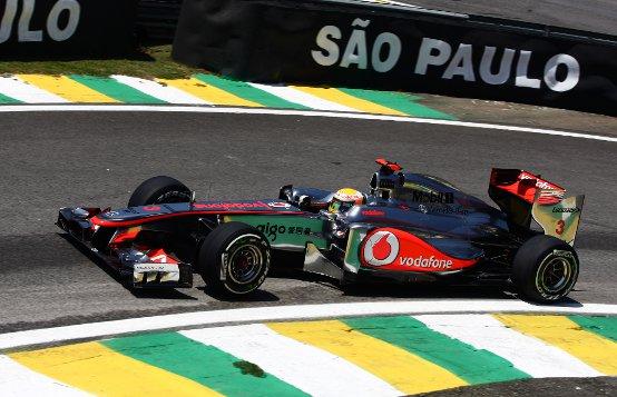 """Lewis Hamilton: """"Dovremmo essere forti per il resto del weekend qui in Brasile"""""""