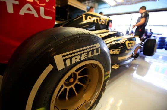 Pirelli: Debutto in pista nei test di Abu Dhabi per gli pneumatici di Formula 1 2012