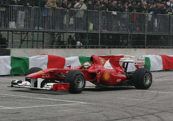 Motor Show di Bologna: Fisichella in pista con la Ferrari di F1