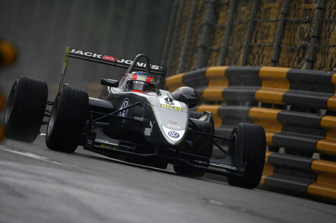 Kevin Magnussen guiderà per la Mclaren nei test per i giovani piloti