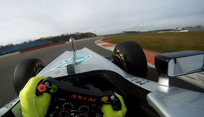 Mercedes W03: video ufficiale onboard