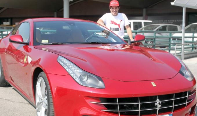 Ferrari: Alonso incontra Montezemolo a Maranello