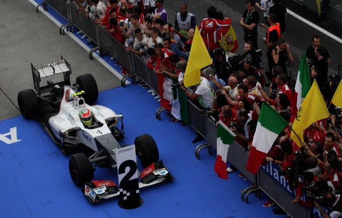 """Peter Sauber: """"Non abbiamo ordinato a Perez di non attaccare Alonso"""""""