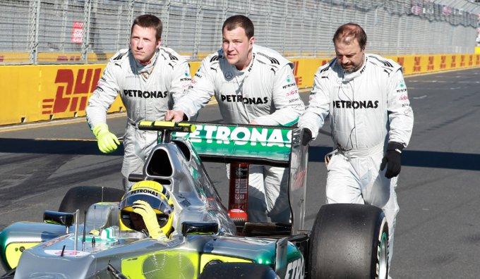 La FIA respinge la protesta di Lotus contro il DRS di Mercedes
