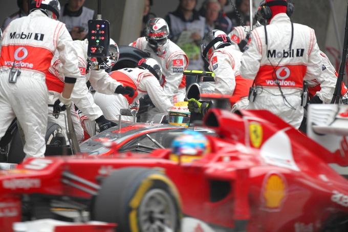 """Record Ferrari, 2""""4 per un pit-stop"""