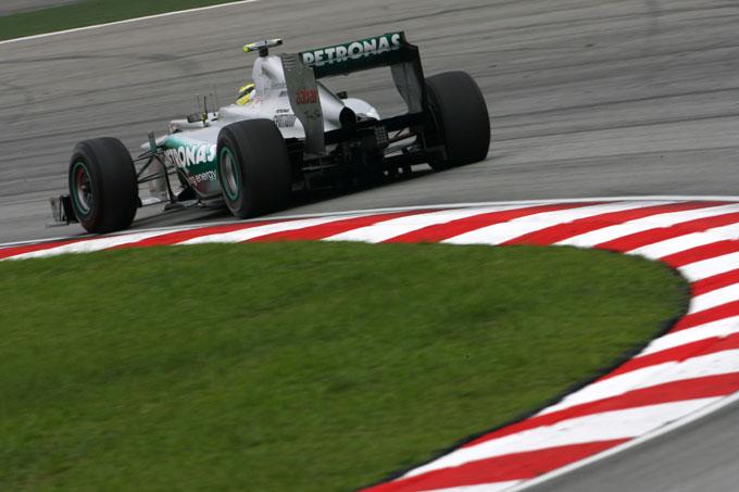 F1, polemiche sull'F-duct Mercedes anche in Cina