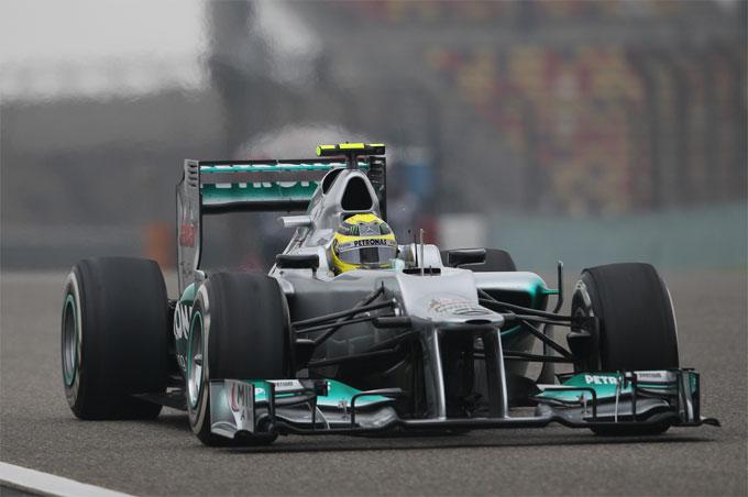 GP Cina, Rosberg in pole position con la Mercedes
