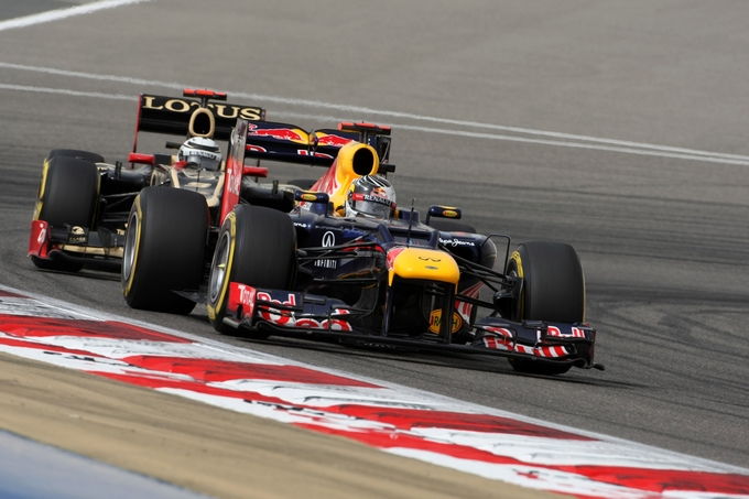 GP Bahrain: Vettel trionfa davanti alle Lotus, Alonso 7°