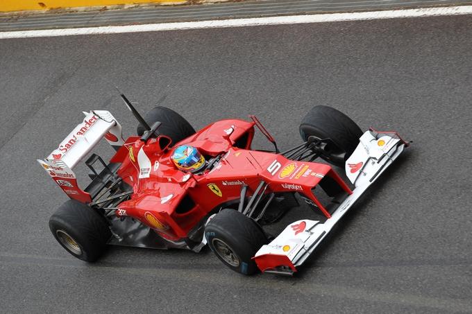 Test Mugello: La pioggia condiziona Day-1, alle 13 Alonso il più veloce
