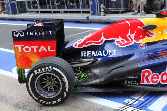La Red Bull utilizza a Valencia un doppio fondo