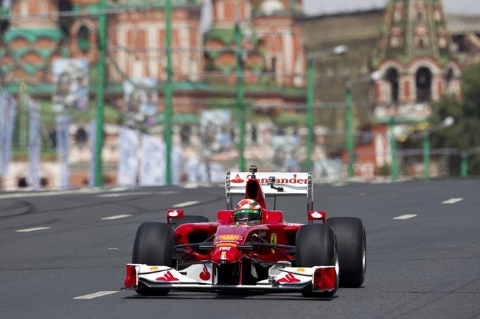 Moscow City Racing – In pista la Ferrari e Fisichella