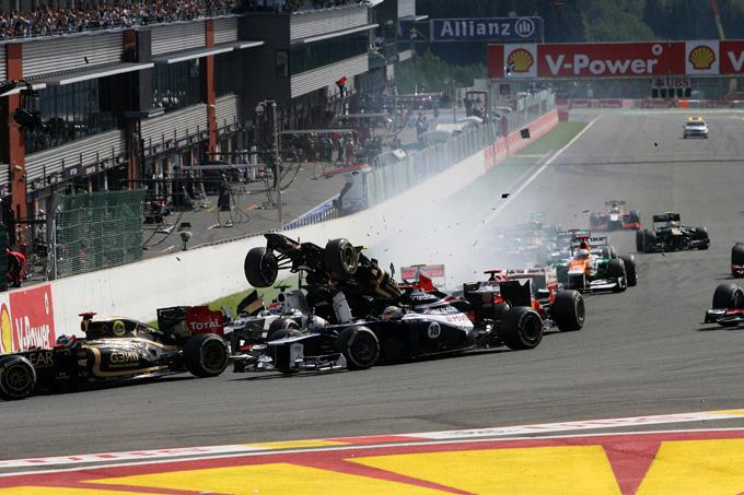 Grosjean penalizzato con l'esclusione dal Gran Premio di Monza dopo l'incidente causato al via