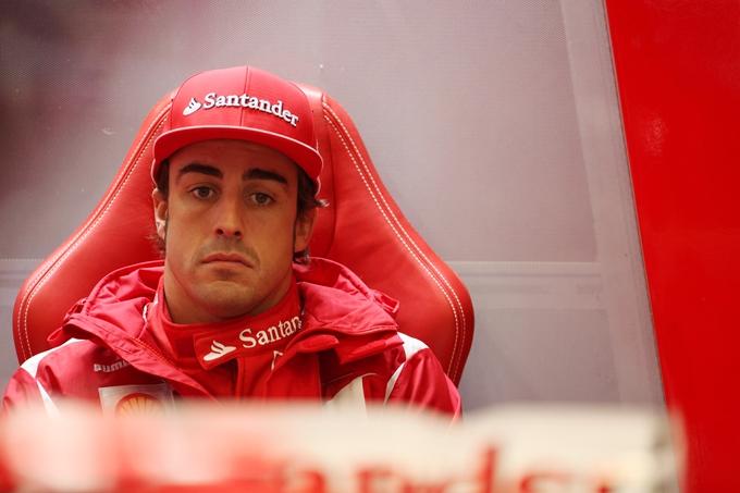 Incidente a Spa: subito fuori Alonso e Hamilton