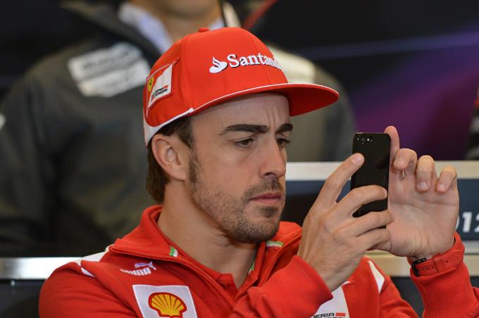 La Ferrari limita l'attività di Alonso sui social media