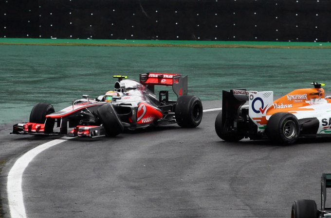 "McLaren, Hamilton: ""Hulkenberg non mi ha nemmeno chiesto scusa"""